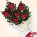 Con bouquet de 6 rosas